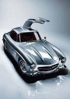 Another German design classic: The Mercedes-Benz 300 SL Gullwing from the - All Things Silver - Auto Mercedes Auto, Mercedes Benz 300 Sl, Mercedes 300sl, Luxury Sports Cars, Sport Cars, Supercars, Porsche 550 Spyder, Carl Benz, Ferrari