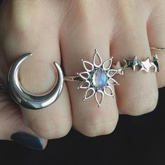 """""""Hands up if you're obsessed with moons & stars Can't get enough of these rings All available at www.emptycasket.co.uk✨ #emptycasket #sterlingsilver…"""""""