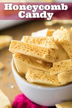 How to make HONEYCOMB CANDY! This Honeycomb recipe requires only a few simple ingredients and steps! via in 202 How to make HONEYCOMB CANDY! This Honeycomb recipe requires only a few simple ingredients and steps! Honeycomb Recipe, Honeycomb Candy, How To Make Honeycomb, Fudge Recipes, Baking Recipes, Dessert Recipes, Simple Sweets Recipes, Homemade Sweets, Homemade Candies