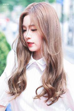 Những idol Kpop bị cư dân mạng gán mác bất tài nhưng đẹp - Ảnh 6.
