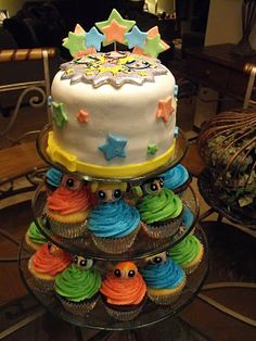 PPG cupcakes and cake, Lilly wants every cake she sees, We will have to have a cake walk :) and everyone can take a cake home for their treat! lol