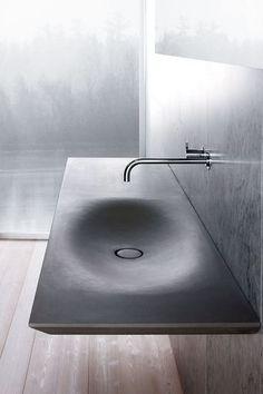 Vasque en pierre Pat Grey, L 150 x P 50 cm, prix sur demande, Luca Mortorano, Neutra