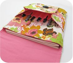 Image of Idea Pouch PDF Sewing Pattern. Design something similar for my sketchbook and supplies, or even as my bible pouch/bag.