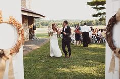 Photographer Feature: Sweet outdoor wedding by Sarah Culver - Wedding Party