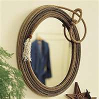 decorative western mirror-I can find plenty of old ropes laying around Country Decor, Rustic Decor, Rustic Wood, Barn Wood, Western Mirror, Rope Mirror, Rope Decor, Western Crafts, Rope Crafts