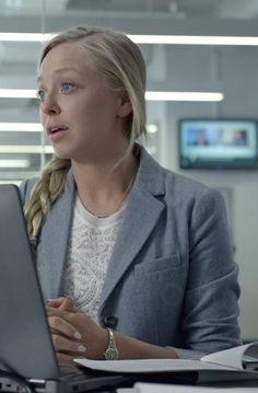 Angela Moss in Mr. Robot S01E01