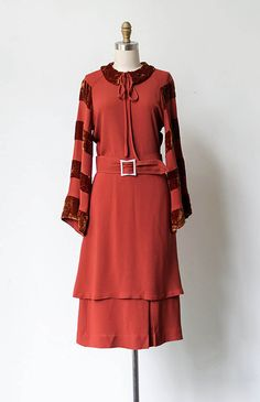 persimmon red with velvet panels Vintage Red Dress, Retro Dress, Vintage Dresses, Vintage Outfits, 1920 Dresses, 1930s Dress, 1930s Fashion, European Fashion, Retro Fashion