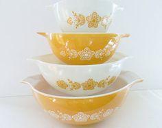 Gold Pyrex Bowls, Butterfly Bowls, Cinderella Bowl Set, Gold Mixing Bowls, Pyrex Set, Gold Butterfly Bowls