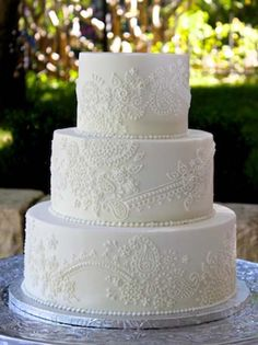 Beautiful Henna Scroll Work Wedding Cake