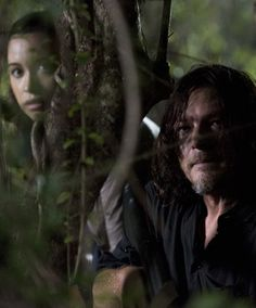 Rosita Espinosa and Daryl Dixon in The Walking Dead Season 8 Episode 8 | How It's Gotta Be