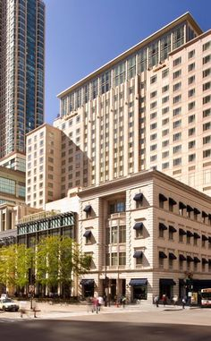 The Peninsula Chicago | Travel | Vacation Ideas | Road Trip | Places to Visit | Chicago | IL | Architectural Site | Luxury Hotel