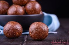 Chocolate Peppermint Bliss Balls This recipe is full of the flavors of the season while still being a healthy, whole food recipe. It makes a great wintery snack or dessert! Sugar Free Recipes, Raw Food Recipes, Sweet Recipes, Healthy Recipes, Gf Recipes, Family Recipes, Baking Recipes, Recipies, Vegan Snacks