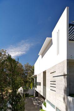Casa en el Bosque by Ricardo Agraz, via Behance