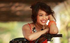 Lataa kuva Laxmi Raai, Bollywood, hymy, kauneus, ruskeaverikkö