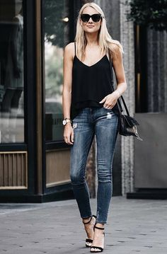 Cheap Skinny Jeans And Ankle Boots . Cheap Skinny Jeans And Ankle Boots Classy Outfits, Chic Outfits, Fashion Outfits, Jeans Fashion, Fashion Tips, Tank Top Outfits, Casual Chic, Block Heels Outfit, Black Sandals Outfit