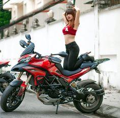Dòng xe Multistrada 1200 vàMultistrada 1200s mới ra đời có một sức hút vô cùng mạnh mẽ, đây được xem là mẫu moto cực kỳ giá trị và đẳng cấp. Mẫu xe có giá trên 1,2 tỷ đồng được nhập về Việt Nam. Bên đó độ nóng của cô gái Hotgirl xinh đẹp với vẻ …
