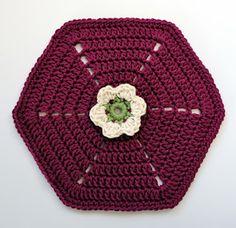knit & crochet design: Frida's Flowers - Block One