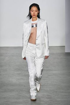 Helmut Lang Fall 2019 Ready-to-Wear Fashion Show - Vogue Helmut Lang, Vogue Paris, Fashion Brands, Fashion Show, White Elegance, Cool Style, My Style, Mannequins, Sportswear