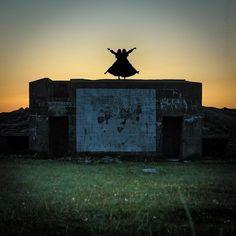 #duo #confirmation #photoshoot #twilight #sunset #bunker #ww2 #symmetry #nationalcostume #konfirmant #bunad #norway