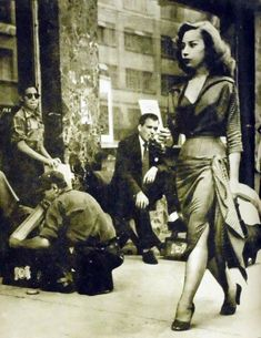 Diez años de la Ciudad de México en continua transformación, - 1950 - nuevos edificios, diferentes presidentes, la moda y las hermosas calles.