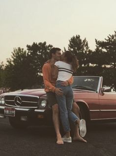 Ideas Photography Couples Vintage For 2019 - Parchen Fotos Wanting A Boyfriend, Boyfriend Goals, Boyfriend Girlfriend, Couple Aesthetic, Retro Aesthetic, Relationship Goals Pictures, Cute Relationships, Couple Relationship, Couples Vintage