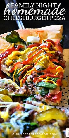 Cheeseburger Pizza is everything you LOVE about a big, juicy cheeseburger on top of a thick, delicious pizza crust for a tasty, quick and easy dinner the whole family will love!  Fresh tomatoes, spinach, GROUND BEEF, onions, and yes, even pickles, top this pizza. For a real cheeseburger pizza experience, don't forget squirting on some mustard and ketchup. Yes, really! #LTGrecipes #pizza #homemadepizza #cheeseburgerpizza #easyrecipe #groundbeef #diypizza #recipe Pizza Recipes, Easy Dinner Recipes, Beef Recipes, Italian Recipes, Easy Meals, Cooking Recipes, Healthy Recipes, Beef Meals, Flatbread Recipes