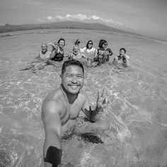 Hey Dumaguete! Much fun and enjoyed the place with the company of these peeps. #gopro #sandbar #sea #nature #islandlife #travel #bnw #bnw_captures #bnw_life #blackandwhite #monochrome @goproph