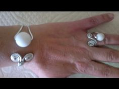▶ DIY:Como hacer brazalete pulsera adaptable de alambre. - YouTube
