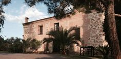 Casa Rural Rincón de la Fuente Buenaventura This beautiful property is set in the village of Buenaventura, in the province of Toledo. It offers free Wi-Fi and great views from its lovely swimming pool.  The Rincón de la Fuente serves delicious homemade cuisine in its restaurant.