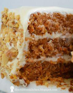 Blue Ribbon Kitchen: Prize-Winning Carrot Cake: Eating Your Vegetables. Blue Ribbon Kitchen: Prize-Winning Carrot Cake: Eating Your Vegetables. Carrot Cake With Pineapple, Best Carrot Cake, Carrot Cakes, Pear And Almond Cake, Almond Cakes, Carrot Recipes, Cake Recipes, Dessert Recipes, Mini Cakes