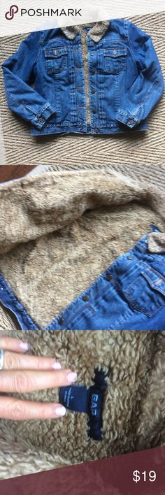 GAP BRAND FUZZY LINED JEAN JACKET GAP BRAND FUZZY LINED JEAN JACKET no flaws GAP Jackets & Coats Jean Jackets
