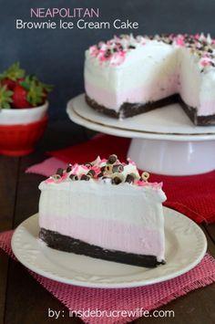 Neapolitan Brownie Ice Cream Cake - homemade brownies with strawberry and vanilla ice cream for a fun neapolitan dessert #summersundae #ad @cakebossbaking