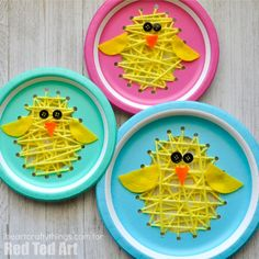 Paper Plate Chicks - this paper plate sewing craft is SO CUTE for Easter. Perfect fine motor skill activity for kids and simply the most adorable Paper Plate Chick Craft!