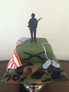 Army fondant cake for my army friend. Army Cake, Cupcakes Design, 7th Birthday, Bags, Military Cake, Cakes With Fondant, Handbags, Taschen, Purse