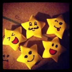 Fun origami stars Fun Origami, Useful Origami, Origami Stars, Origami Patterns, Pikachu, Paper Crafts, Character, Art, Paper Craft Work