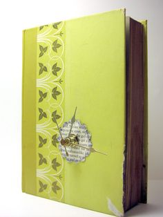 Book Clock {Tutorial} this tutorial is awesome and is spot on. Turned out great!