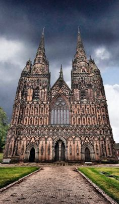 Lichfield Cathedral, Lichfield - Staffordshire, You see the spires from my parents house. Its so pretty lite up at night. Beautiful Architecture, Beautiful Buildings, Architecture Design, Beautiful Mosques, Beautiful Homes, Grand Homes, West Midlands, Place Of Worship, Interior Exterior