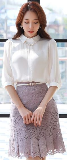 Floral Lace Pleated Skirt 2019 StyleOnme_Floral Lace Pleated Skirt The post Floral Lace Pleated Skirt 2019 appeared first on Lace Diy. K Fashion, Asian Fashion, Modest Fashion, Fashion Outfits, Womens Fashion, Spring Work Outfits, Elegantes Outfit, Blouse And Skirt, Skirt Outfits