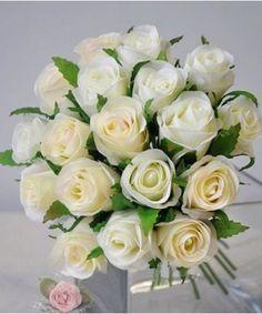 http://www.vowstory.nl/1795-4018-large/ivoorkleurig-rozen-bruidsboeket-pph017.jpg