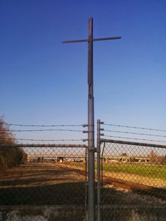 Cross on Railroad Avenue, Richmond California photcopyright by Lindy Davis 2014 Pinole, Point Richmond, Richmond California, Jesus Is Alive, San Pablo, Costa, Husband, Easter, History