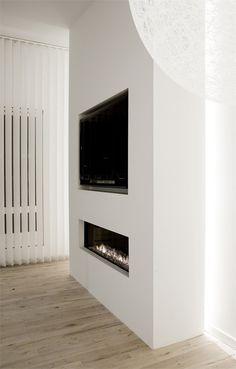 Copenaghen Penthouse I, Frederiksberg, 2009 http://bit.ly/wxbugK #archilovers #architecture #design #minimal #allwhite #white #fire
