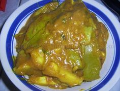 Curry mango is another side dish that goes great with roti or rice; along with curry chicken, channa, potato and a little kuchela or chutney, but I personally like to enjoy it by itself to savour the taste.