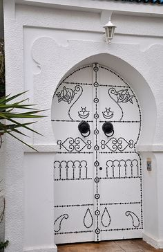 Love this door. Will consider to have one when we built a new home!! Tunisia