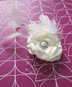 Ivory feather hair clip