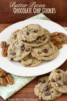 cookie butter pie Butter Pecan Chocolate Chip Cookies - Butter With A Side of Bread Cookie Desserts, Easy Desserts, Cookie Recipes, Delicious Desserts, Dessert Recipes, Yummy Food, Tasty, Yummy Yummy, Fun Food