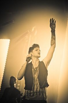 """Take that rage, put it on a page. Take the page to the stage, blow the roof off the place."" Danny O'Donaghue from the Script Great Bands, Cool Bands, Beautiful Men, Beautiful People, Danny O'donoghue, Daniel Johns, Pop Rock Bands, Soundtrack To My Life, The Script"