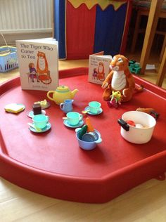 The tiger who came for tea tuff tray. Book based play and activities Nursery Activities, Rhyming Activities, Infant Activities, Childcare Activities, Family Activities, Water Games For Kids, Indoor Activities For Kids, Outdoor Activities, Tuff Tray Ideas Toddlers