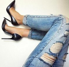 Black Pumps + Cuffed Jeans http://rstyle.me/n/t3h8a4ni6