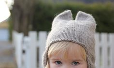 Ravelry: Kitty Hat pattern by Anna & Heidi Pickles Baby Hat Knitting Patterns Free, Baby Hat Patterns, Knitting For Kids, Knitting Yarn, Baby Knitting, Free Knitting, Free Pattern, Knitted Hats, Crochet Hats