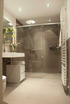 Meer dan 1000 idee n over kleine badkamer tegels op pinterest kleine badkamers badkamer - Witte matte tegel ...